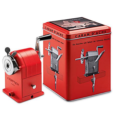 caran d 39 ache matterhorn edition limit e taille crayon de bureau en m tal manuel rouge. Black Bedroom Furniture Sets. Home Design Ideas